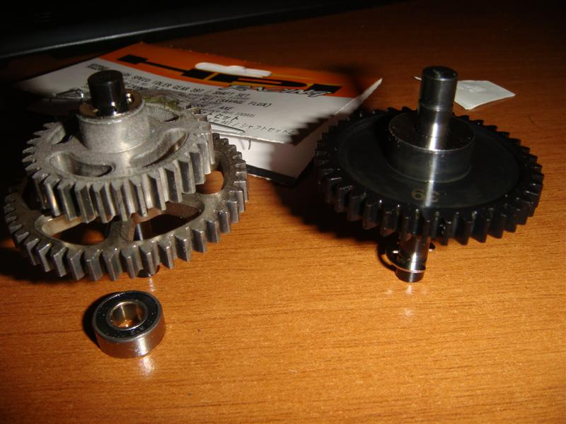 1 stock idler gear vs 20% higer top speed idler gear (Medium).JPG