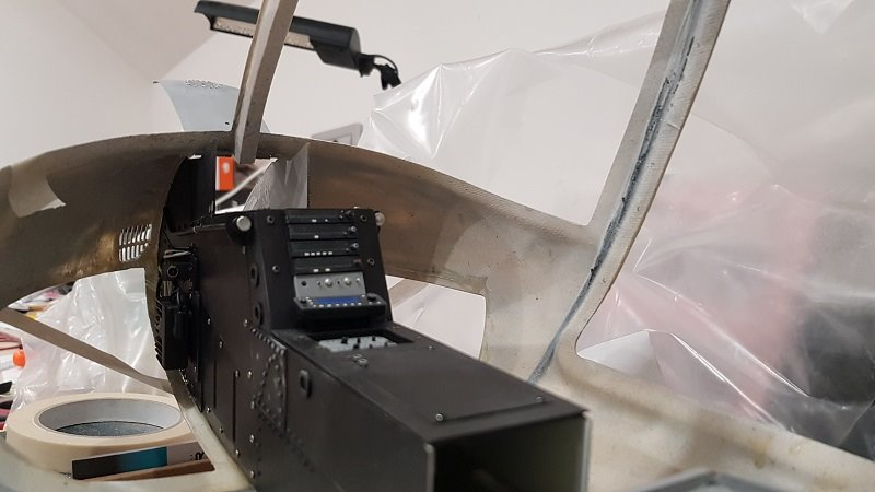 central_console_gluing_into_fuselage_2.jpg